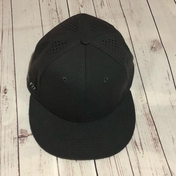 a8798d5db8b Nike Dri-fit fitted hat. M 5a8b7f0d8df47087a8cec65b